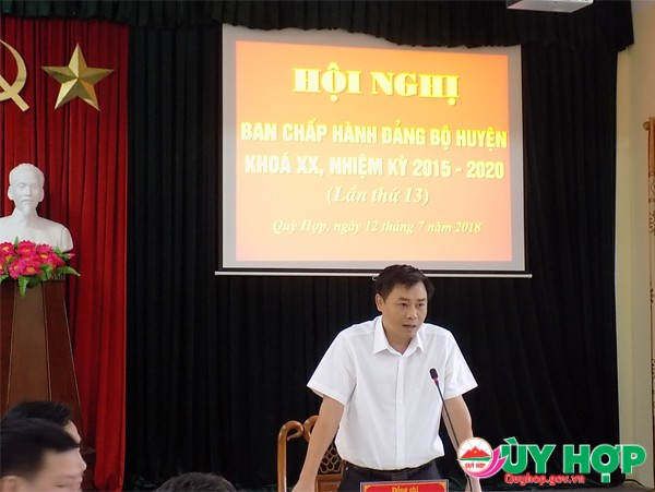 Đồng chí Hồ Lê Ngọc, TUV, Bí thư huyện ủy chủ trì và kết luận các nội dung tại phiên họp