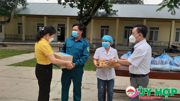 LNH DAO TANG QUA 1